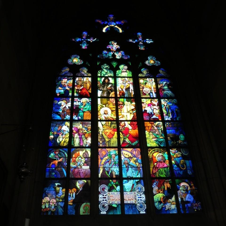 聖ヴィート大聖堂 ミュシャのステンドグラス