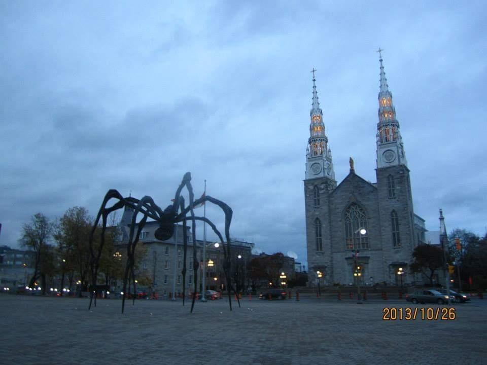 カナダ国立美術館、ノートルダム大聖堂、カナダ国会議事堂