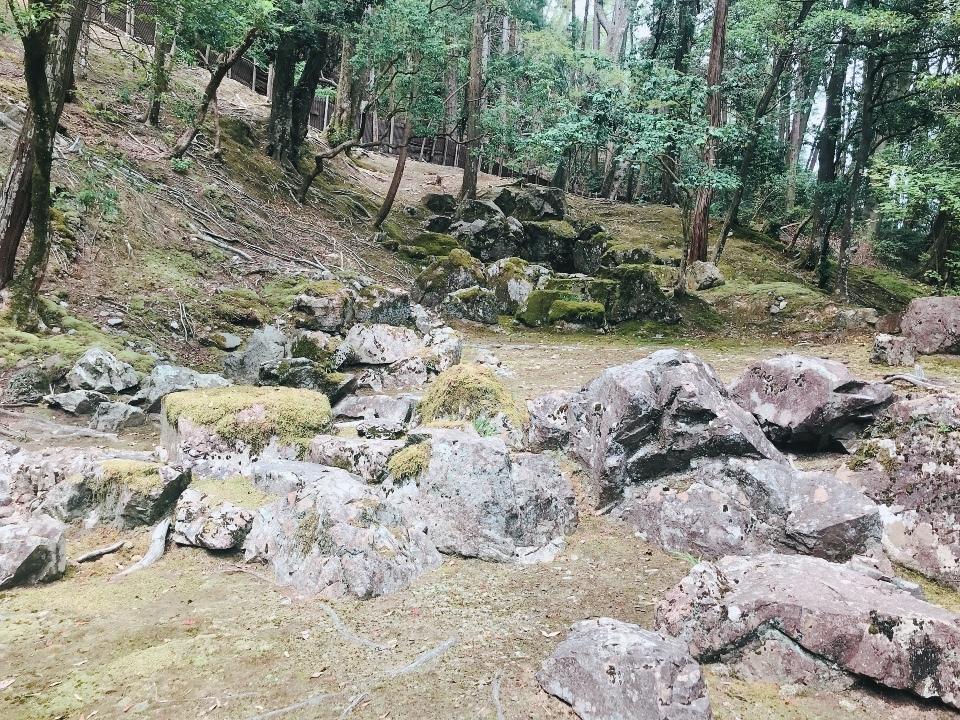 枯山水石組