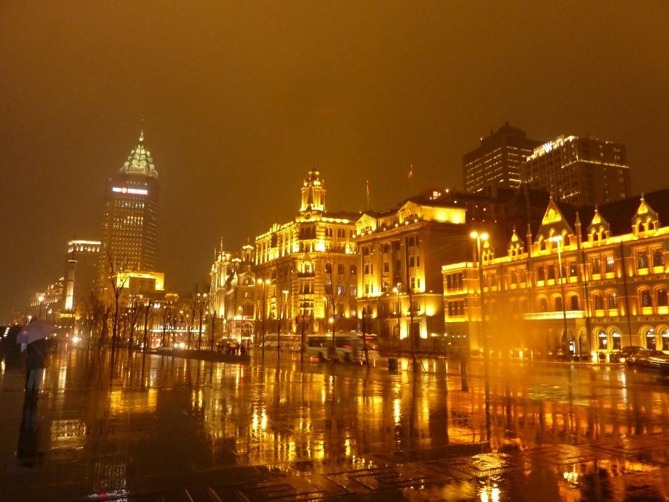 夜の上海を散歩