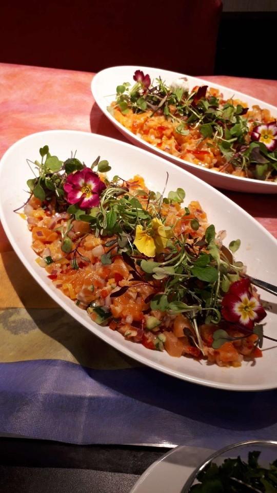 ロミロミサーモンと彩り野菜