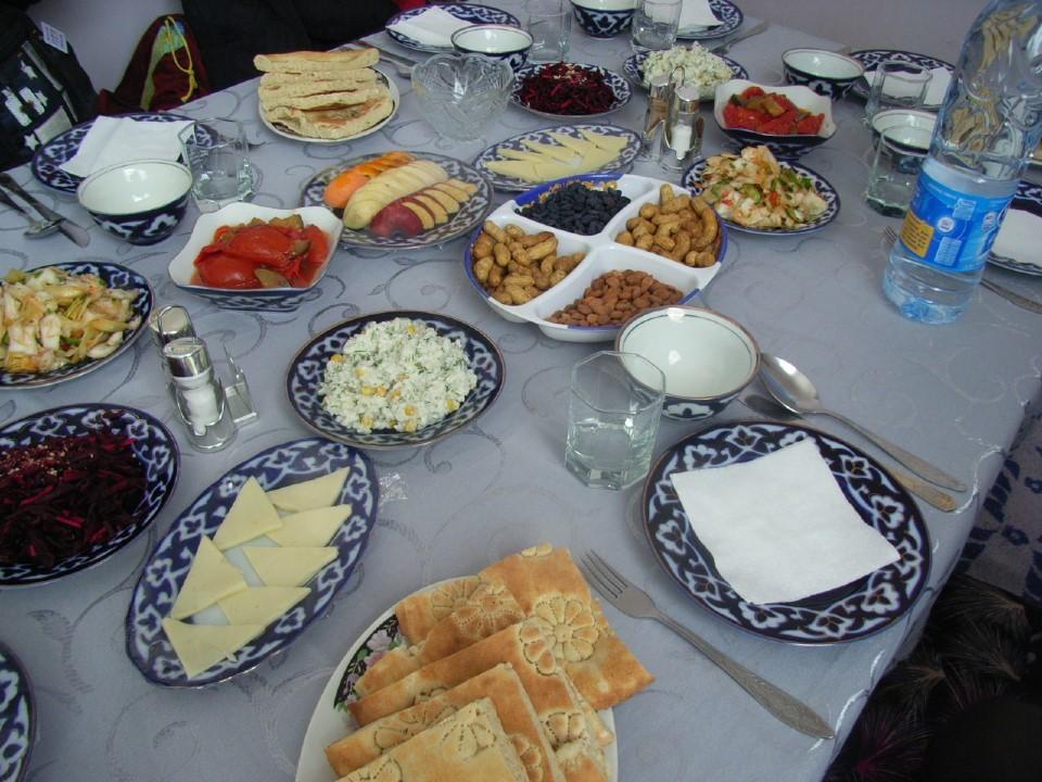 ウズベキスタンの食事(ツアー用?)
