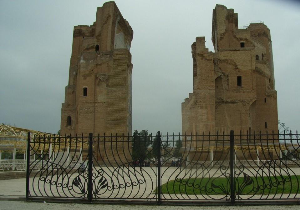 シャフリサーブスのアク・サライ宮殿跡