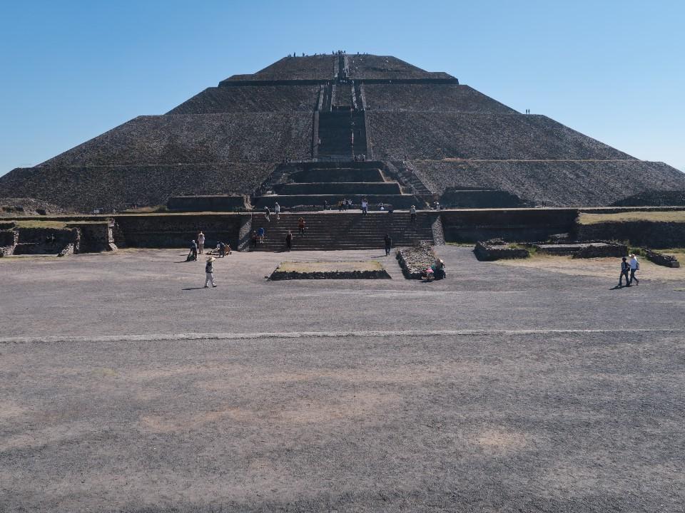 メキシコにピラミッドを登りに行く①ティオテイワカン