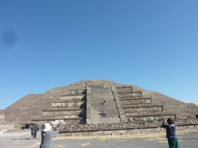 月のピラミッド②