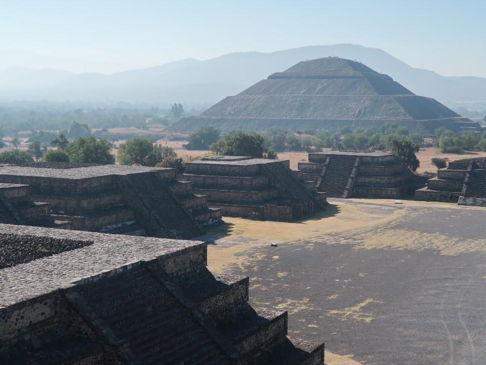 ティオテイワカン遺跡の神殿