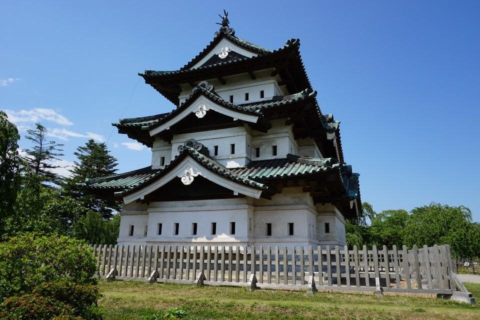 桜・紅葉の名所【弘前城】