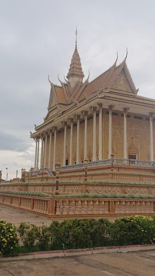 カンボジア プノンペンで歴史を考える旅