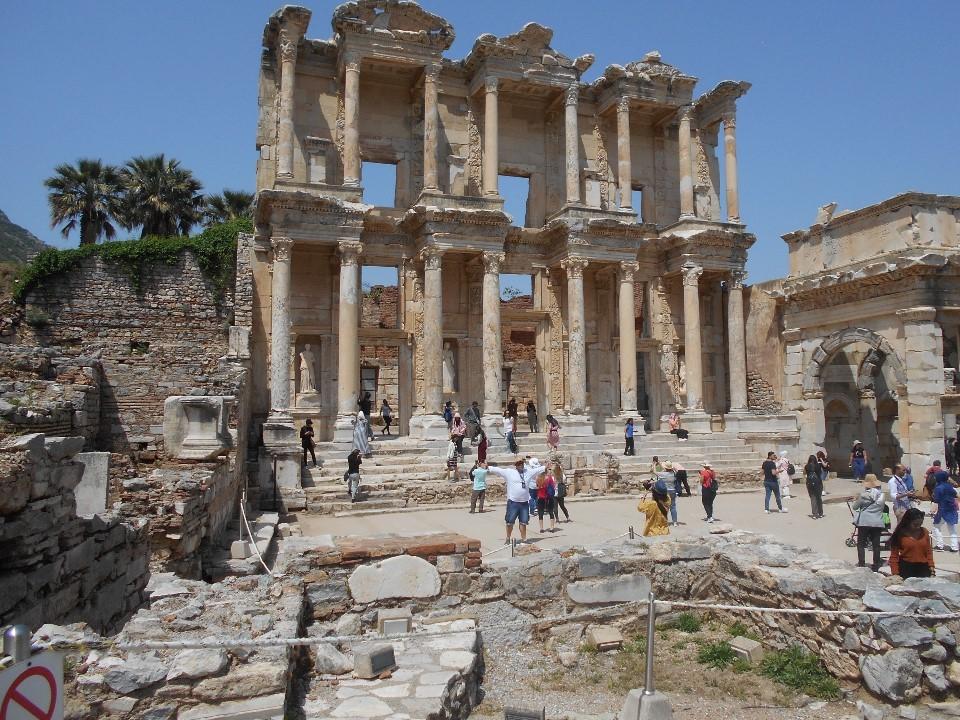 エフェソスの図書館跡