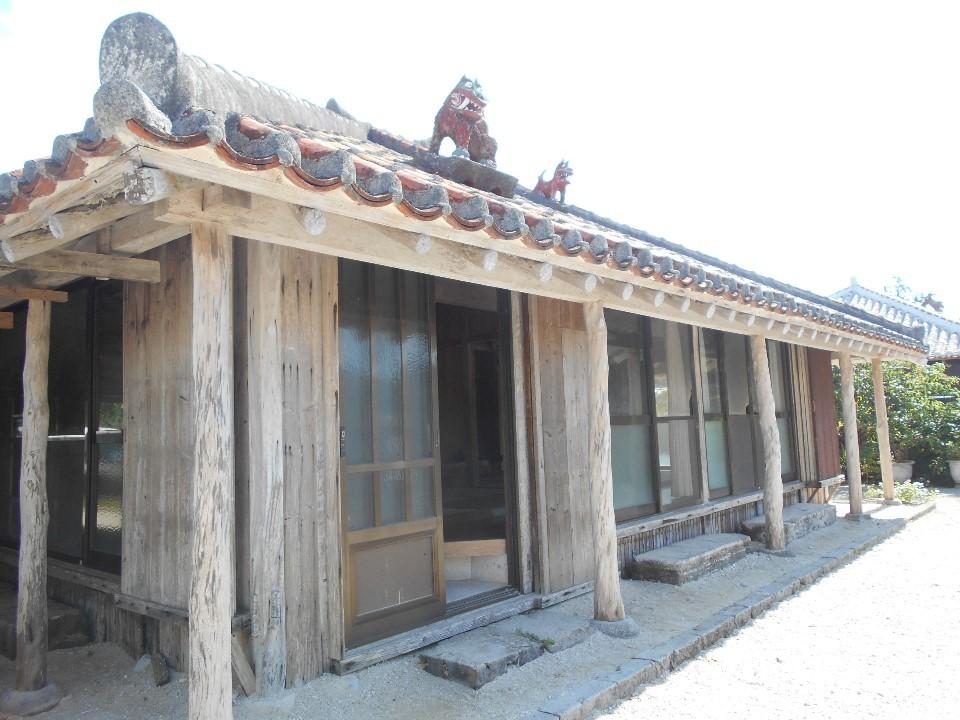 竹富島 屋根の上のシーサー