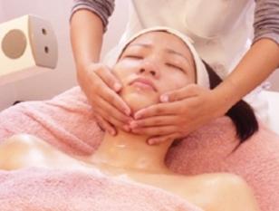 贅沢時間で極上の癒し♪くすみ&毛穴レスの透明美肌(90分)