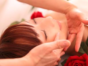 2015『神エステ』掲載店!気になるトラブル肌・二重アゴ・頬のボリューム ・選べる『3D光小顔スペシャルコース120分』肌荒れ・ニキビ・トラブル肌等・・悩みに応えます。