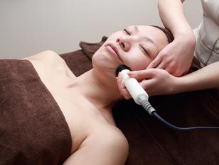小顔・リフトアップで脱・老化‼︎美肌効果抜群のフェイシャル  ラジオ波フェイシャル・ハーフボディセット