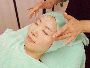 お疲れ肌をリセット!!肌の気になる乾燥、クスミ肌の解消に効果。アンチエイジング、リフトアップも!