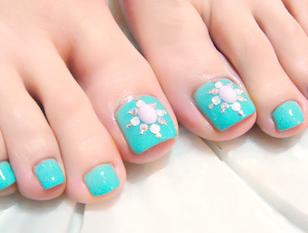 【HAND(パラジェル)or  FOOTジェル】甘皮ケアー+1色塗りorラメグラデ+ストーンアート2本