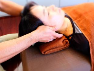 頭をほぐして、脳を休める。足をほぐして身体を整える60分