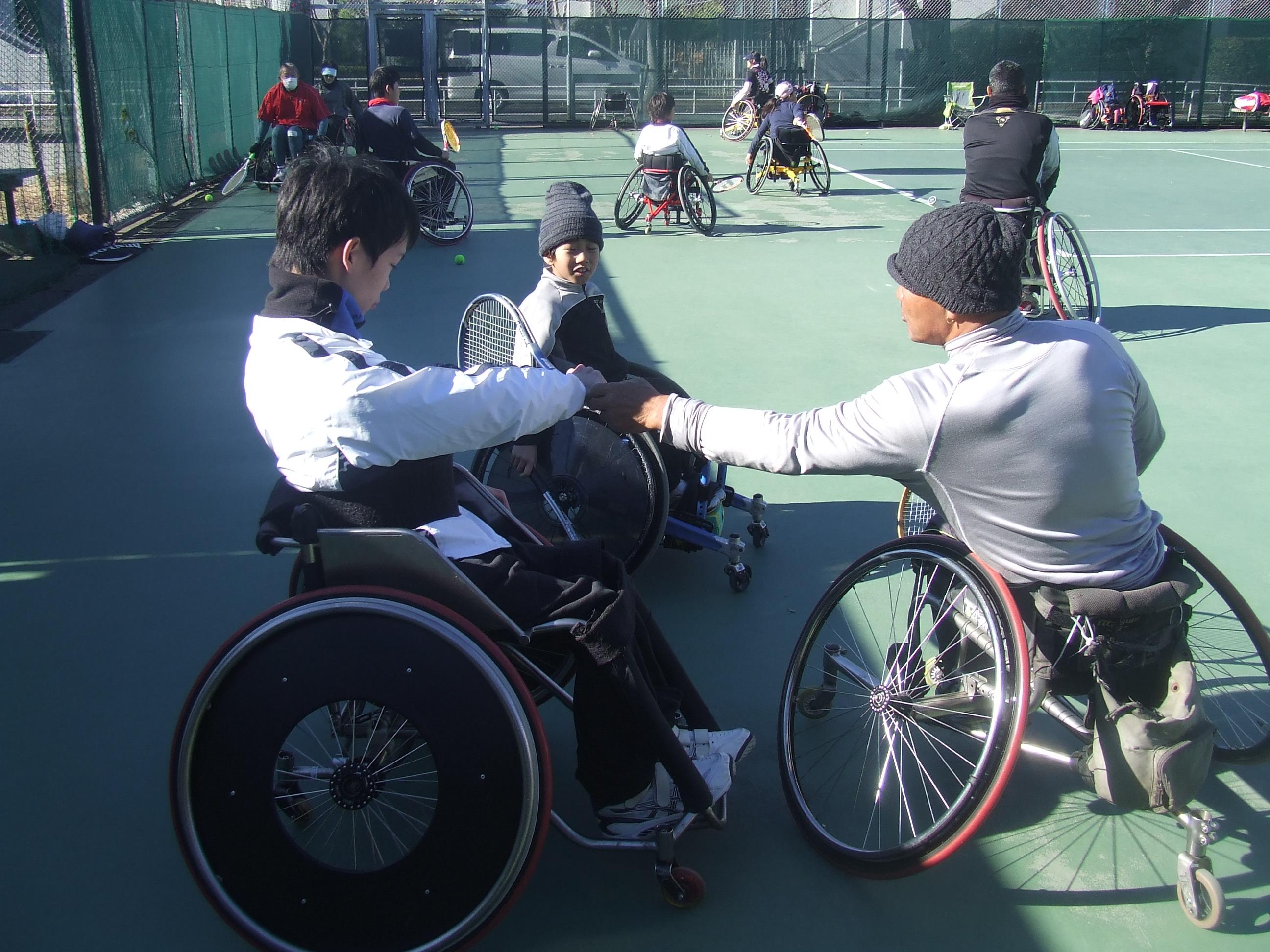 tennis1 - 車いすテニス選手育成教室