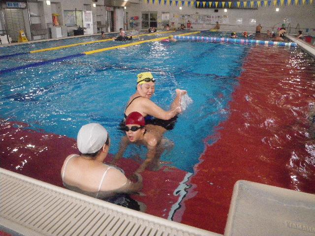 20110917155711 -  都障水連による水泳入門より・・・ 〜親子でがんばっています!〜