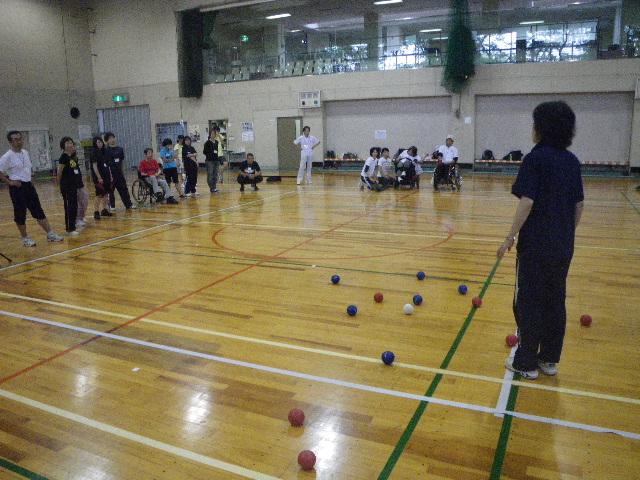 IMGP0185 -  講習会より・・・〜障害のある方々のスポーツ活動を知りたい!お手伝いしたい!方向けの講習会です〜