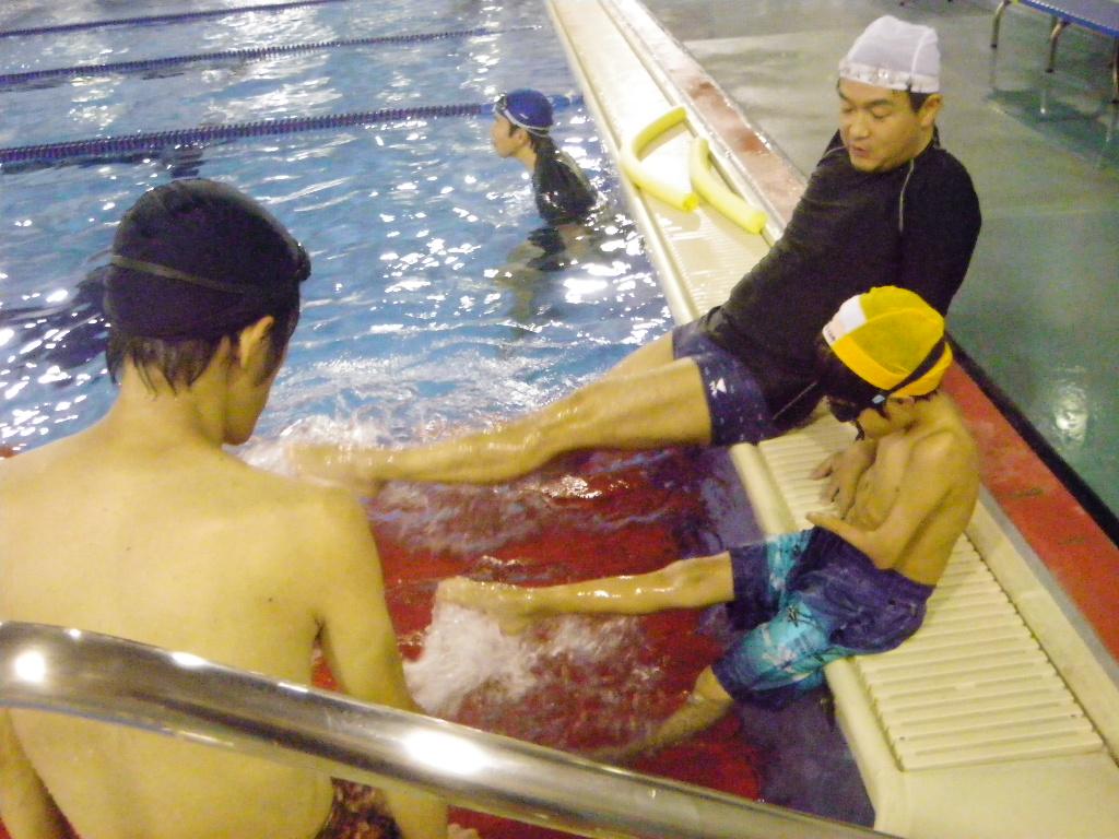 IMGP1328 -  都障水連による水泳入門より・・・涼しくなっても頑張っています!