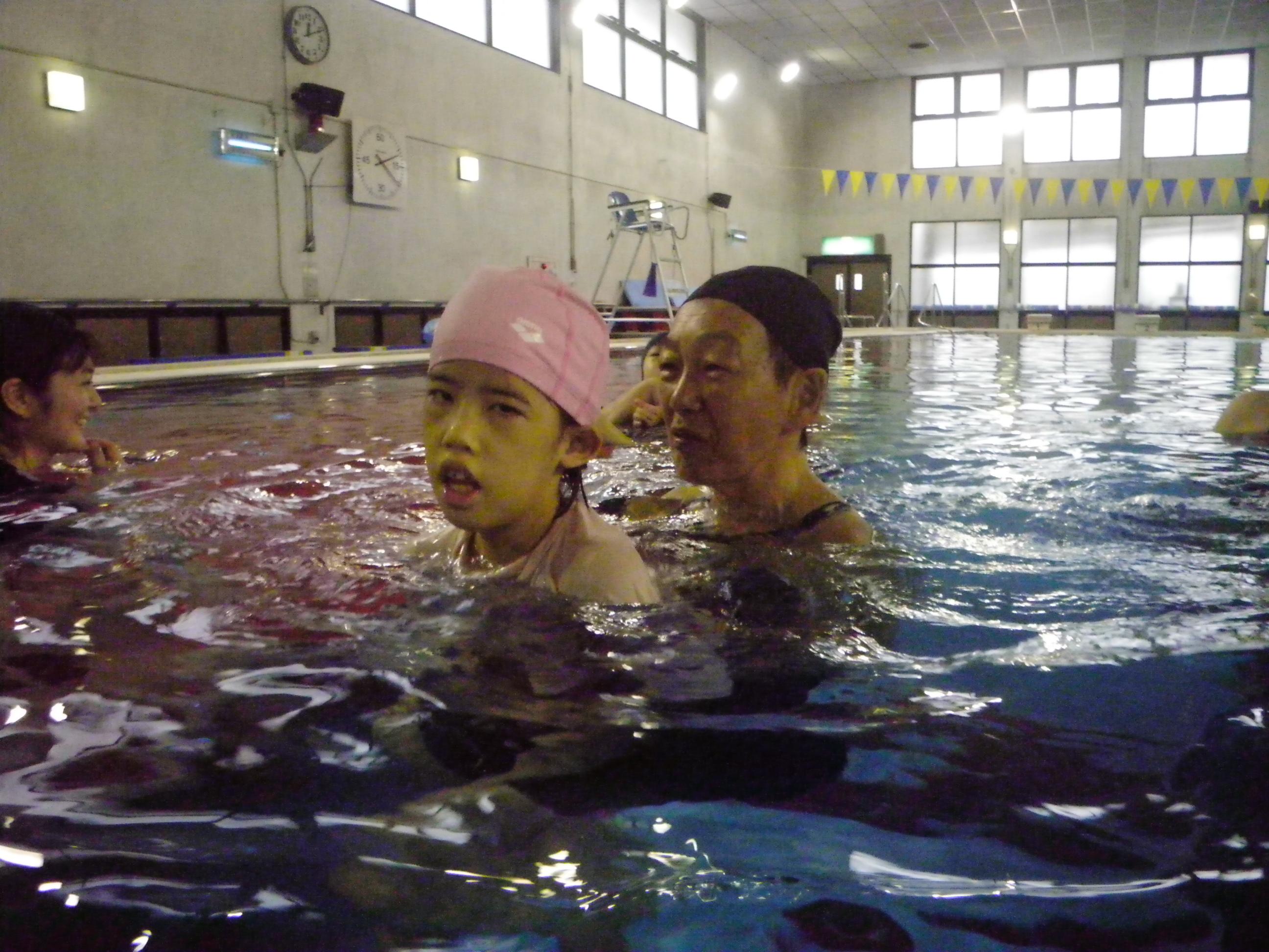 IMGP3048 - 寒い冬がやってきましたが、「重度障害者のプールのひろば」は毎月開催中!