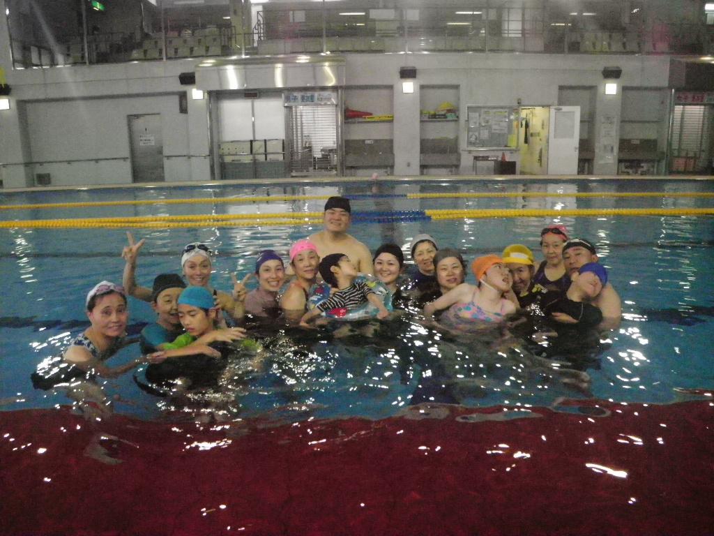 冬でもプールをみんなで楽しく!!