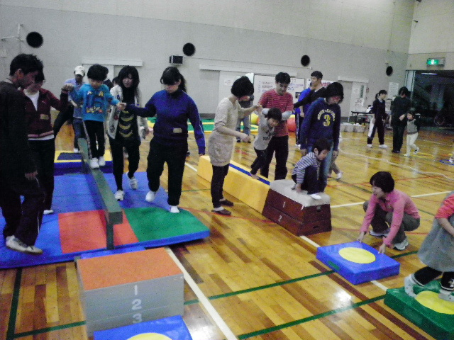 IMGP8247 - 親子で楽しむキッズ体操クラブより ・・・楽しく体操しています。