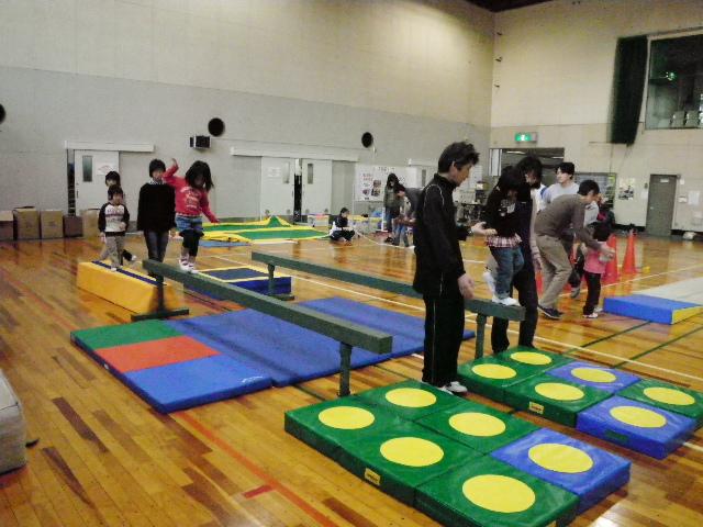 IMGP8641 - 親子で楽しむキッズ体操クラブより ・・・楽しく体操しています。