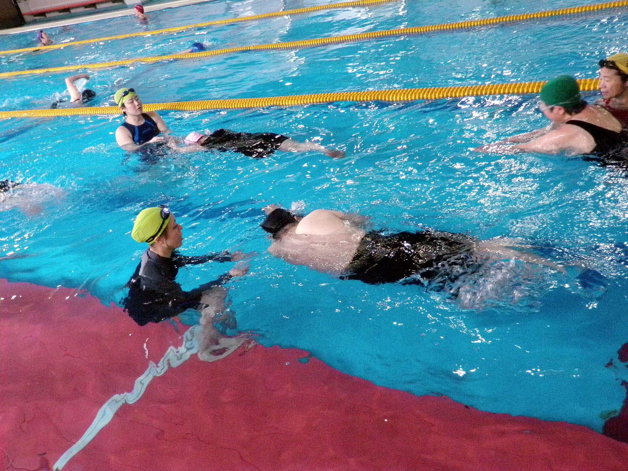 P5140172 - 初心者水泳教室より ・・・ゆっくりと練習しています。