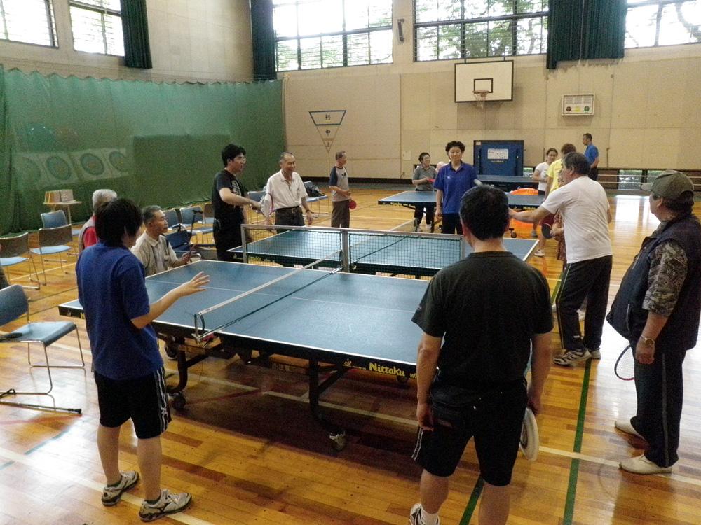 P5210013 - レクリエーション教室より ・・・5月は卓球です。