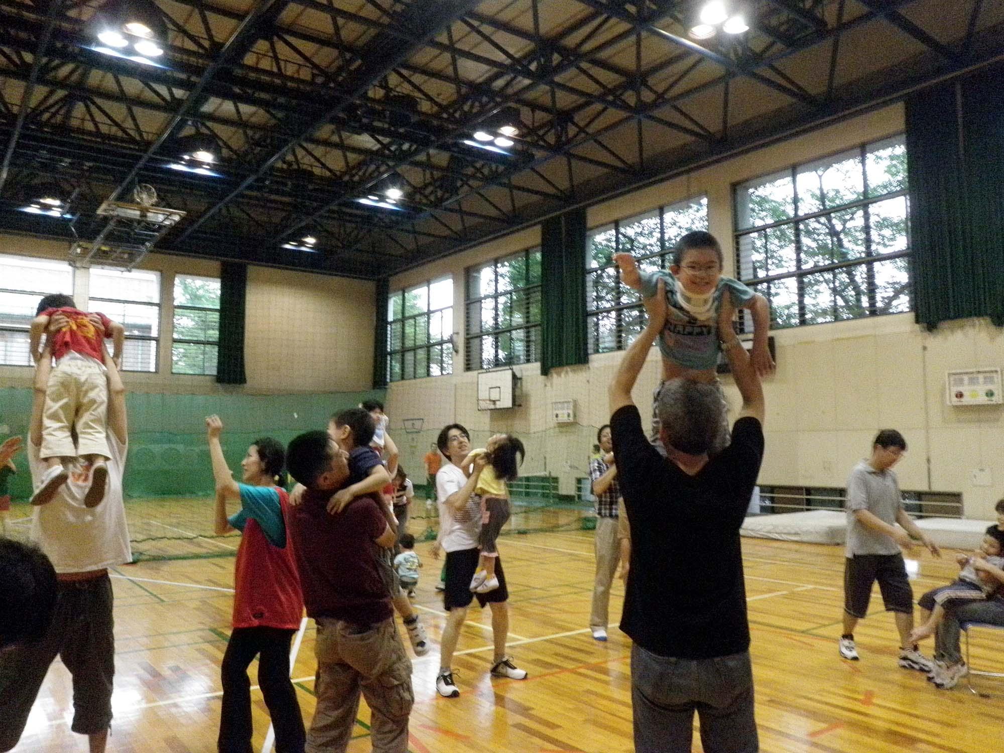 P6280257 - 親子で楽しむキッズ体操クラブ教室より ・・・親子で楽しんでいます。