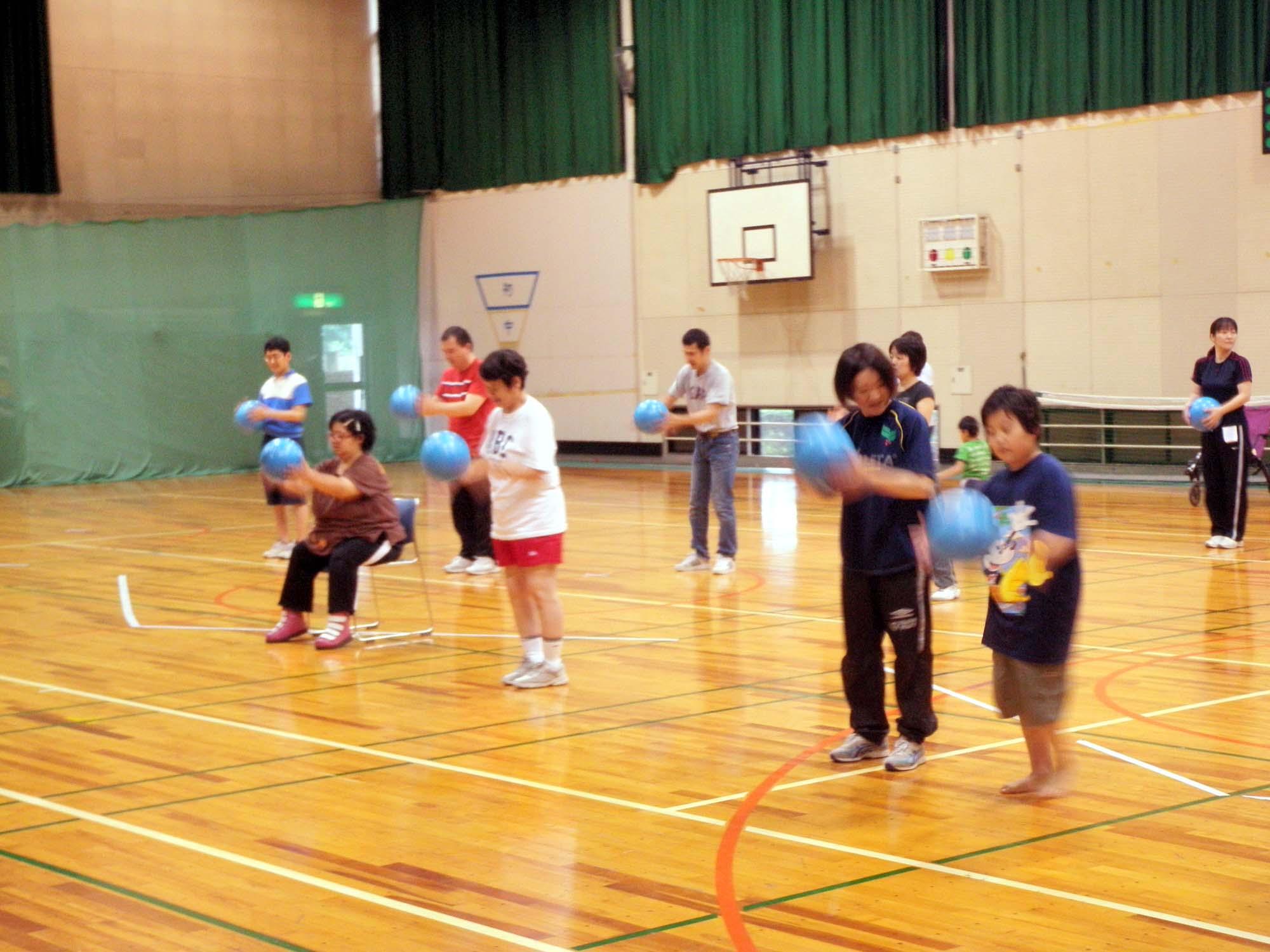 P7050297 - リズム体操教室より ・・・リズムに合わせて楽しく体を動かしています。