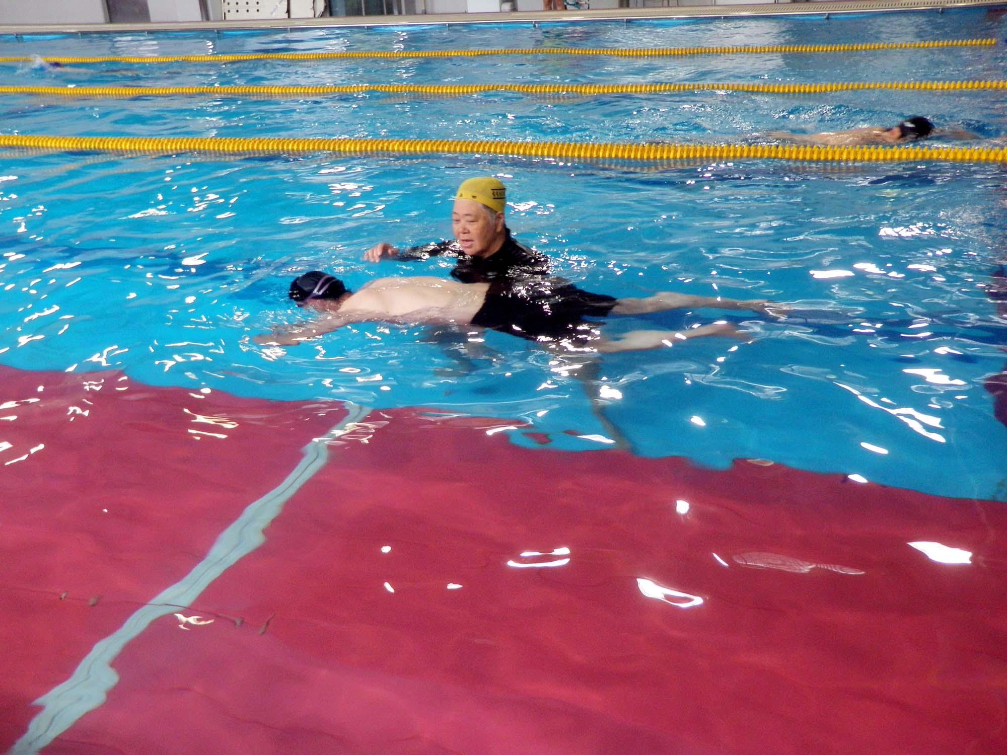 P7130602 - 初心者水泳教室より ・・・ゆっくりと練習しています。