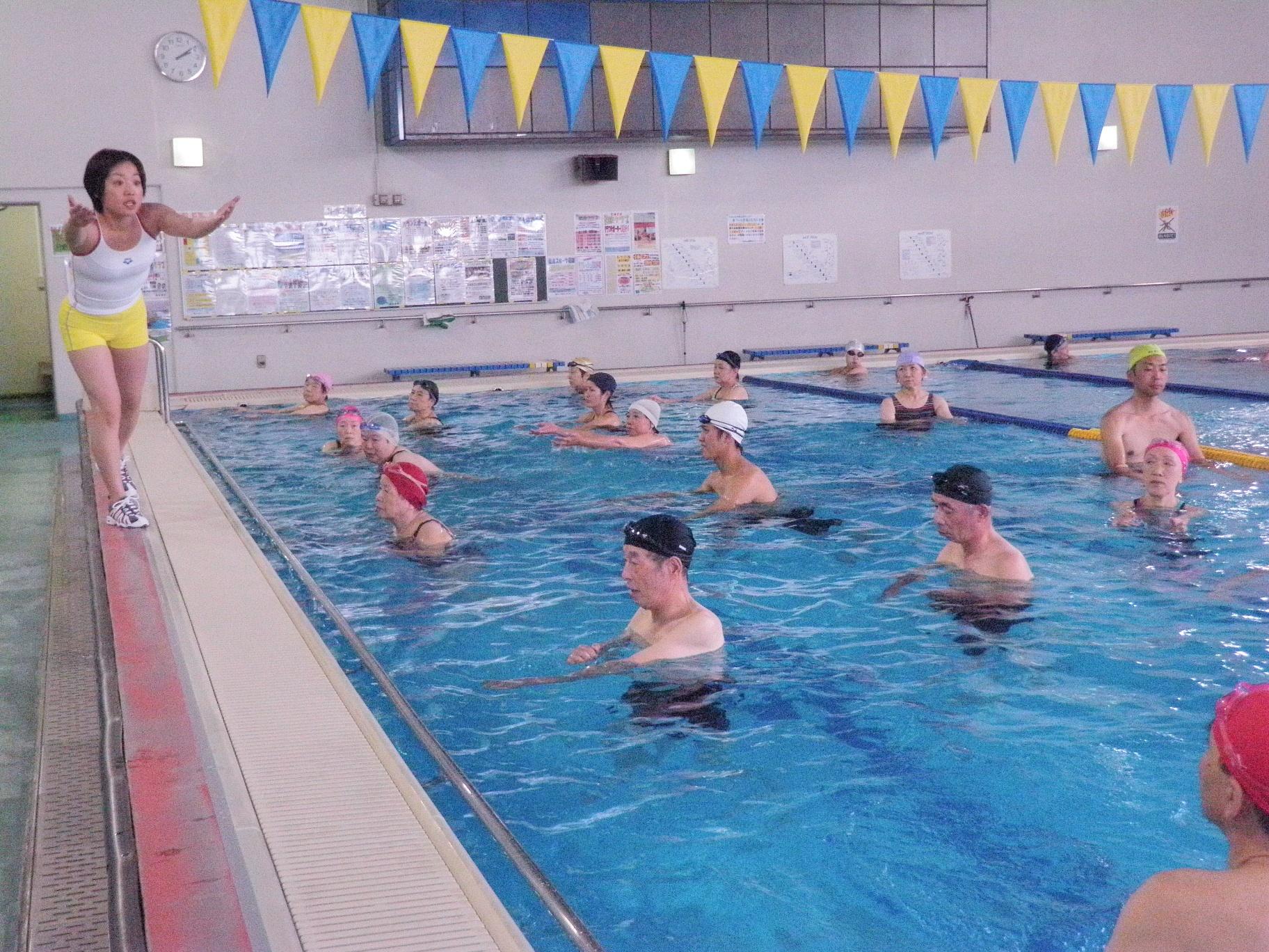 P9070175 - 水中運動教室より・・・水のなかでエクササイズ。