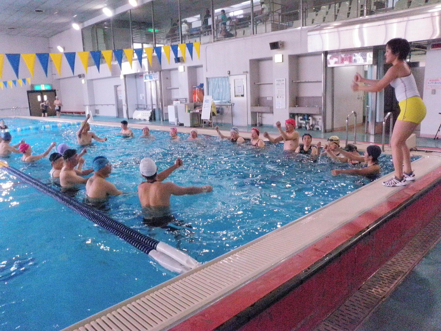 P9070197 - 水中運動教室より・・・水のなかでエクササイズ。