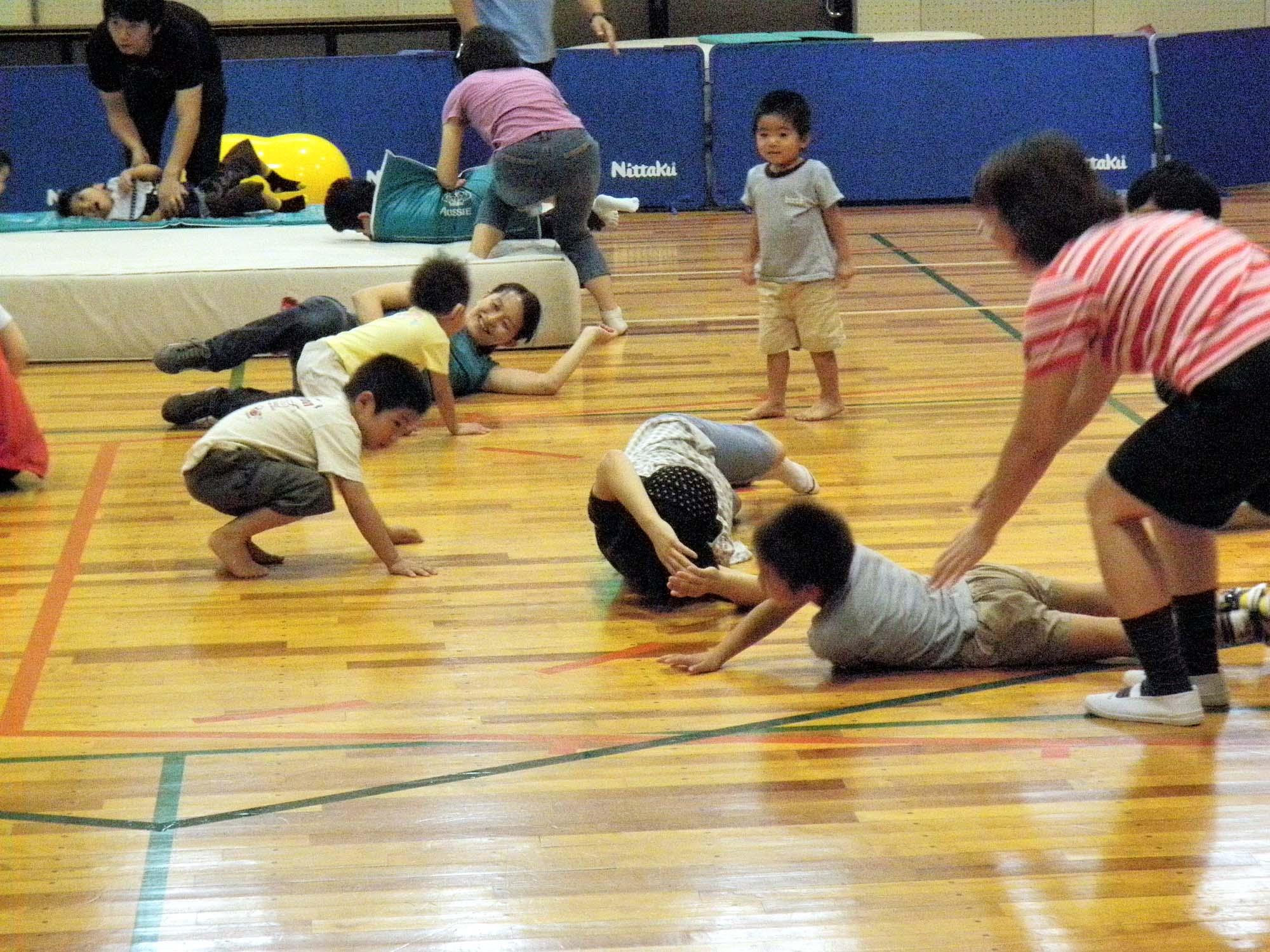 P9270275 - 親子で楽しむキッズ体操クラブ教室より ・・・親子でリズム体操を楽しんでいます。