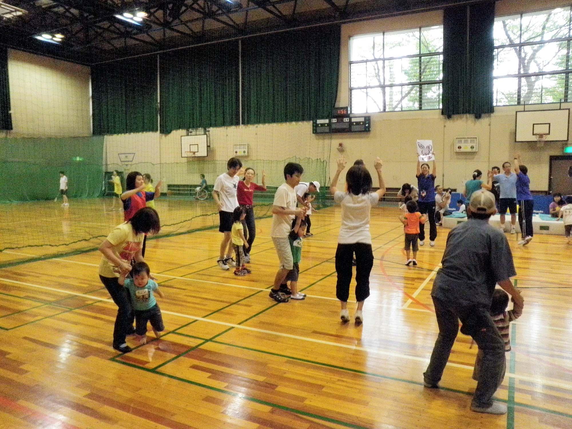 P9270278 - 親子で楽しむキッズ体操クラブ教室より ・・・親子でリズム体操を楽しんでいます。