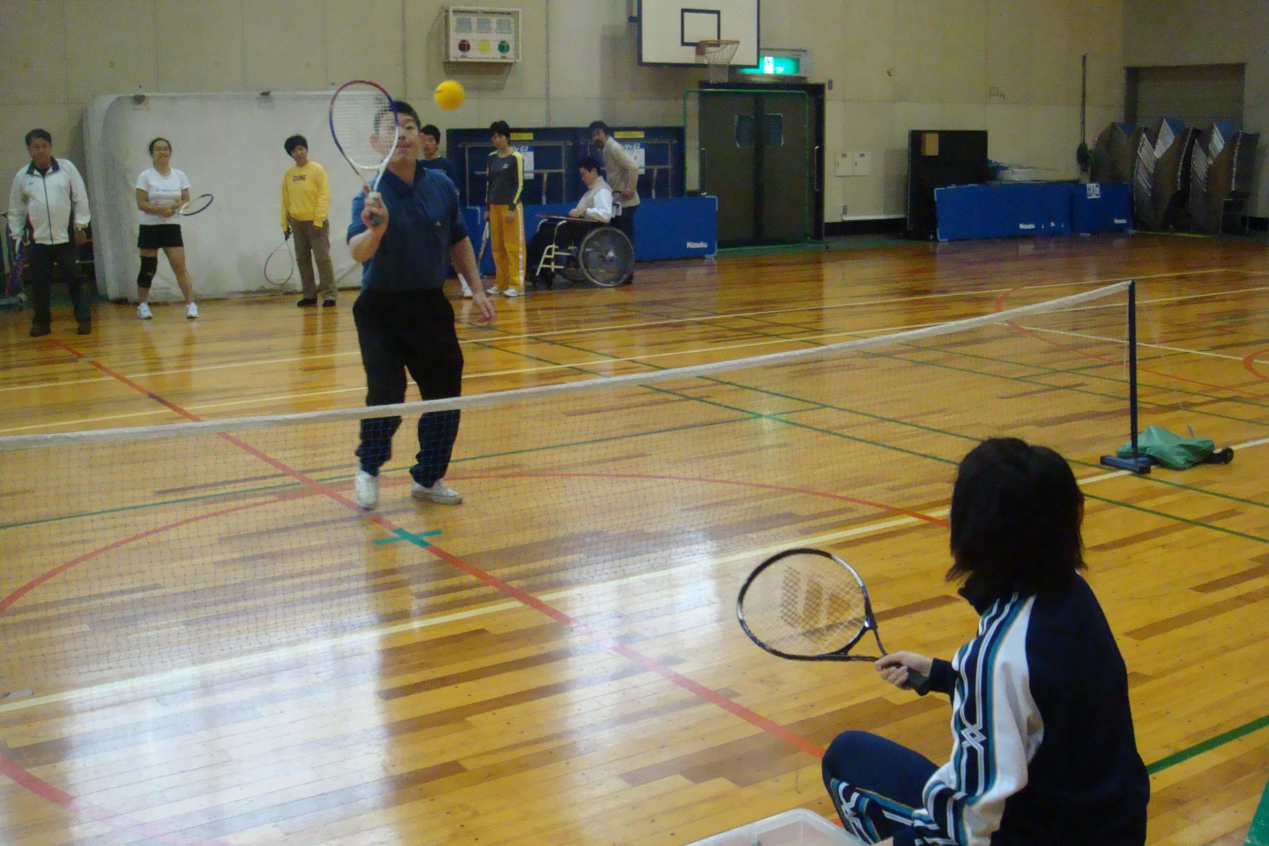 tenisu - スポーツ体験教室より・・・テニスとサッカーです!!