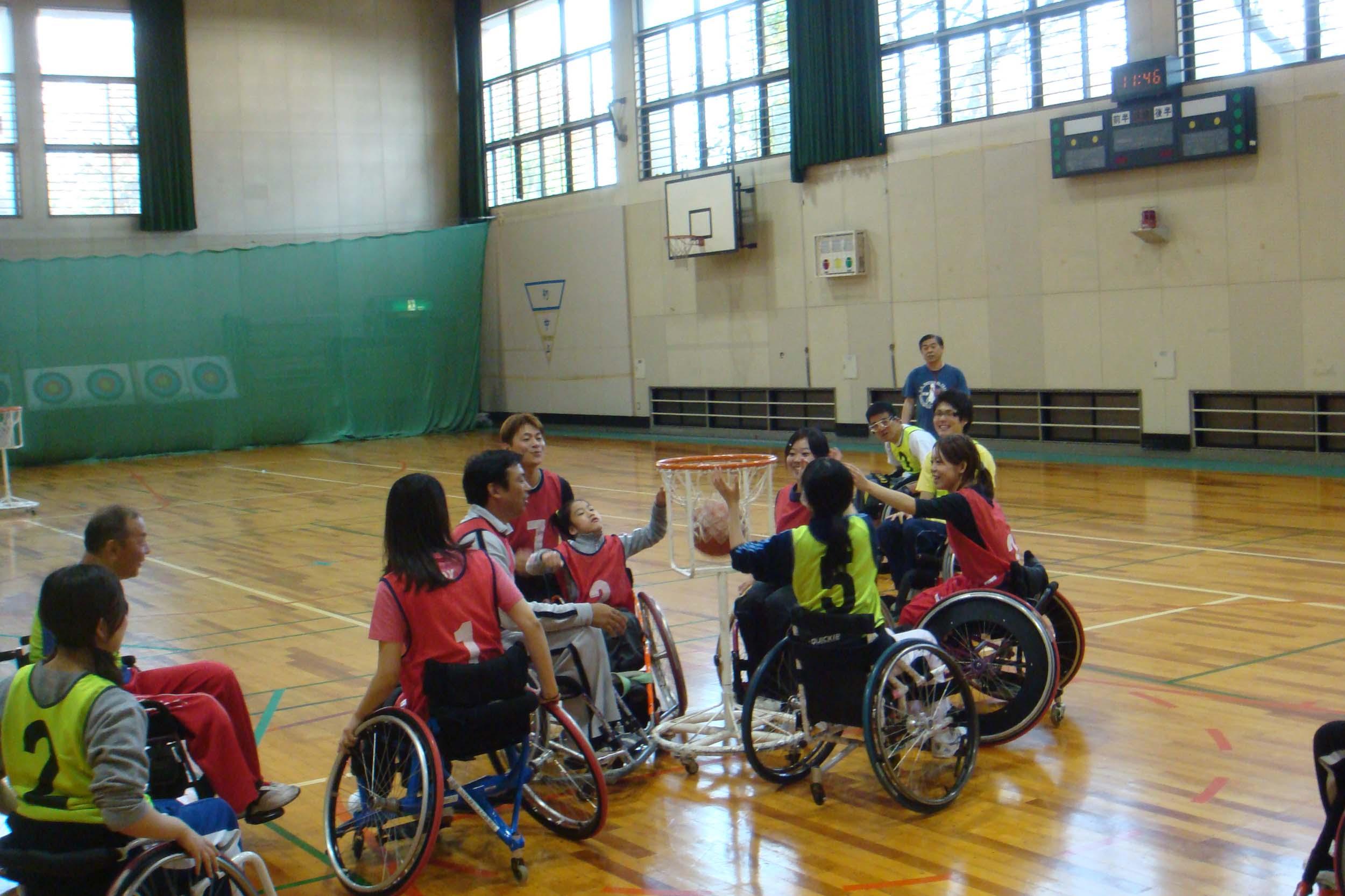tuinnbasuke - レッツ車椅子バスケより・・・車椅子バスケットボールに挑戦!