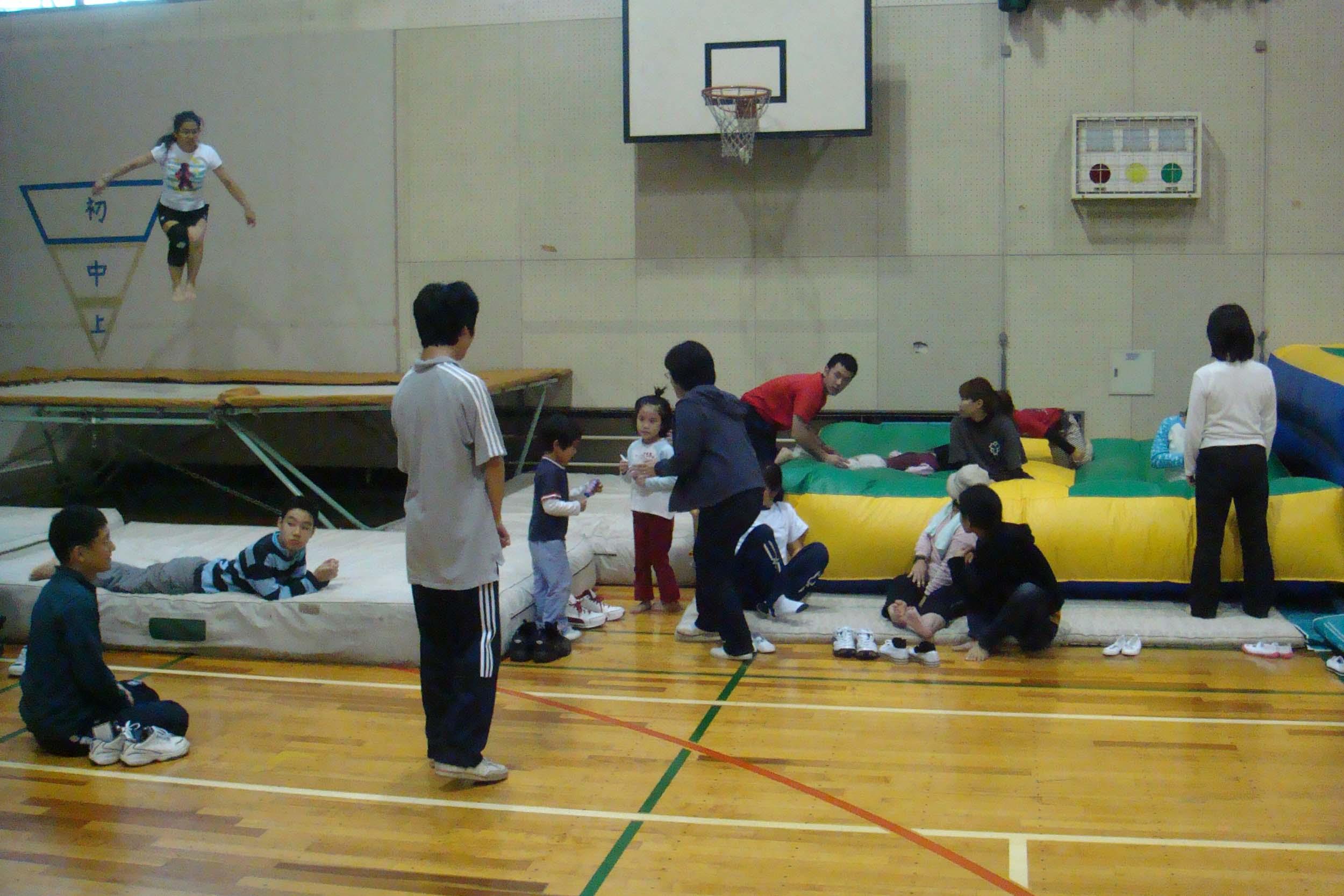 yousu - トランポリン教室より・・・笑顔でジャンプ!!