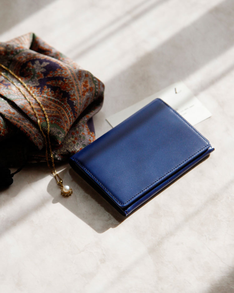 土屋鞄製作所 ボックスカーフ フラップカードケース