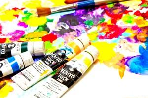 絵を描くこと、見ることどちらも好き!!
