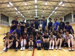 ほぼ東京の真ん中でバレーボールやってます!