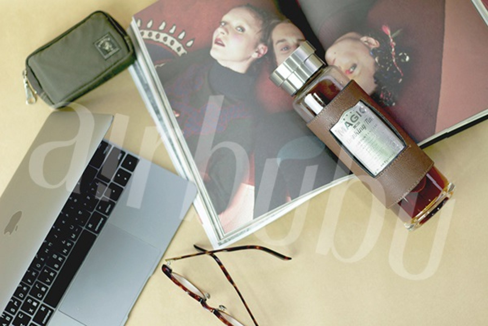皮革魔力玻璃水瓶 1.jpg