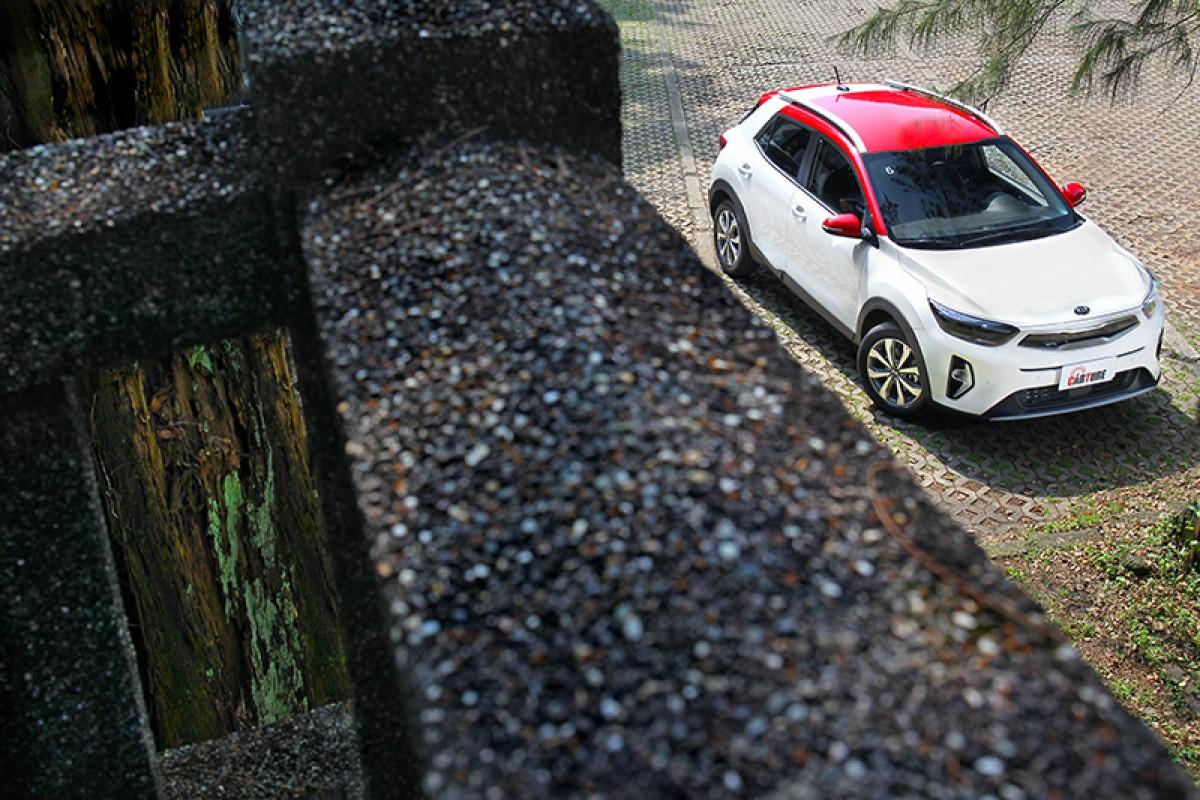 【試駕】Kia Stonic小改款配備大躍進,堪稱同級CP值最強!