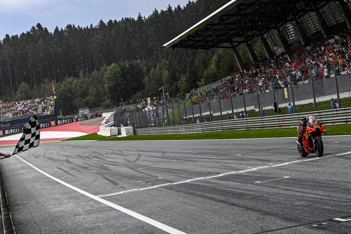 【MotoGP戰報:奧地利站】 突如雨勢、進站換車讓排名大洗牌,Binder賭對意外撿到分站冠軍