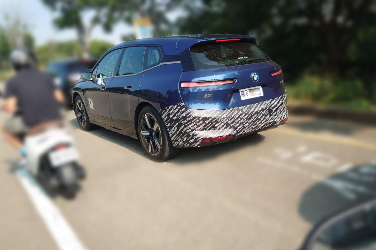【獨家】BMW全新電動車iX在台上市前,意外現身中台灣!