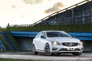 國際富豪汽車針對V60車系二當家V60 T6 R-Design加裝Polestar完整套件,展現Polestar改裝功力之餘,也提供無法入主V60 Polestar車款的消費者另一選擇。