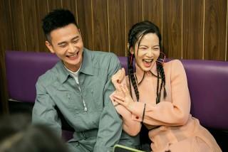 劉冠廷(左起)、曾之喬私下互動也笑翻眾人