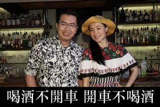 《做工的人》演員曾珮瑜(右)接受主持人鄭偉柏訪問。